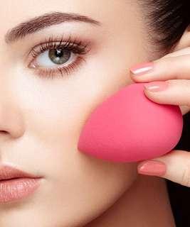 Make-up Sponge (tear drop)