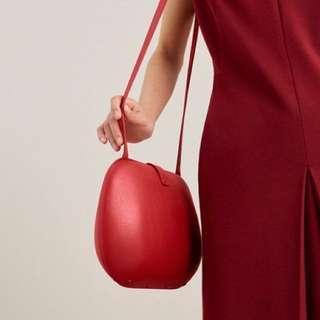 COS hard case shoulder bag (red)