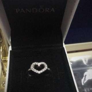 Pandora 經典心形戒指(size50)