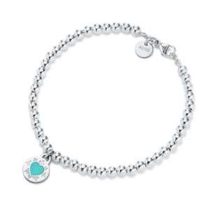 BNIB Tiffany & Co Round Heart Charm Bracelet