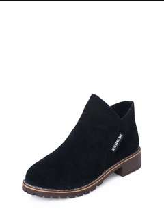 Sepatu boot beli kekecilan size 37-38