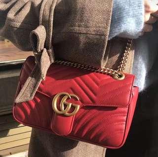 搶手貨小號!Marmont波浪紋鏈條包,進口小牛皮手感極其柔軟舒服,尺寸: 22*12*6cm