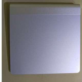 Magic trackpad 蘋果電腦藍芽觸控板(功能正常,能夠滑能夠移動但偶爾能點擊成功)