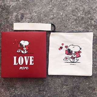 NEW! Korea Snoopy x Innisfree Zip Pouch with Holder