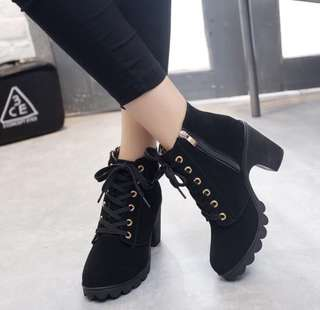 Retro Shoelace High Heel Boots