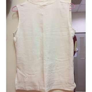 無袖白色上衣
