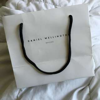 Daniel Wellington Black x Gold watch