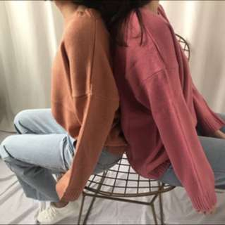 🚚 針織上衣 (左邊)