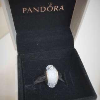 Pandora 白色閃爍琉璃珠