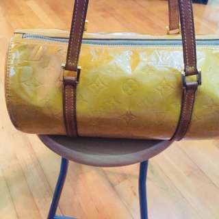 Louis Vuitton Bedford Beige Vernis Bag