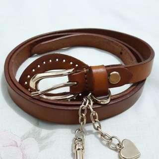 Belt wanita
