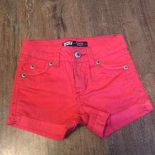 Hot Pink Levi's shorts ❤