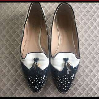 BLACK AND WHITE PATENT LOAFERS