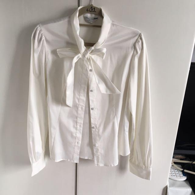 造型領結白襯衫