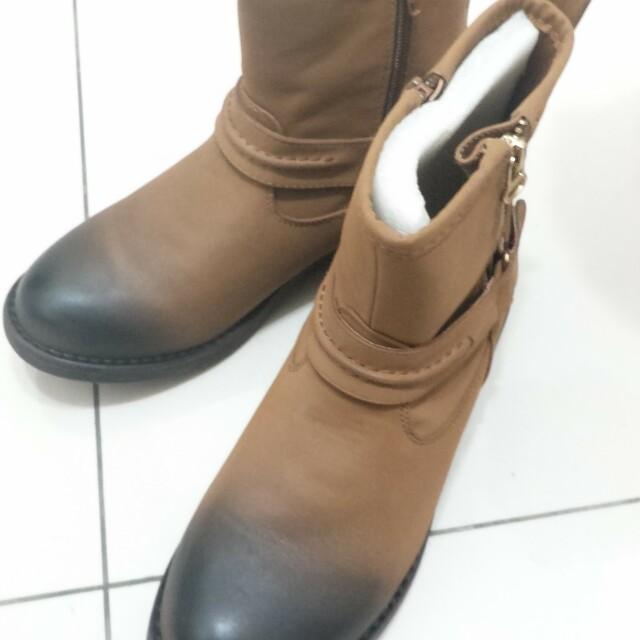 全新 擦色軍靴