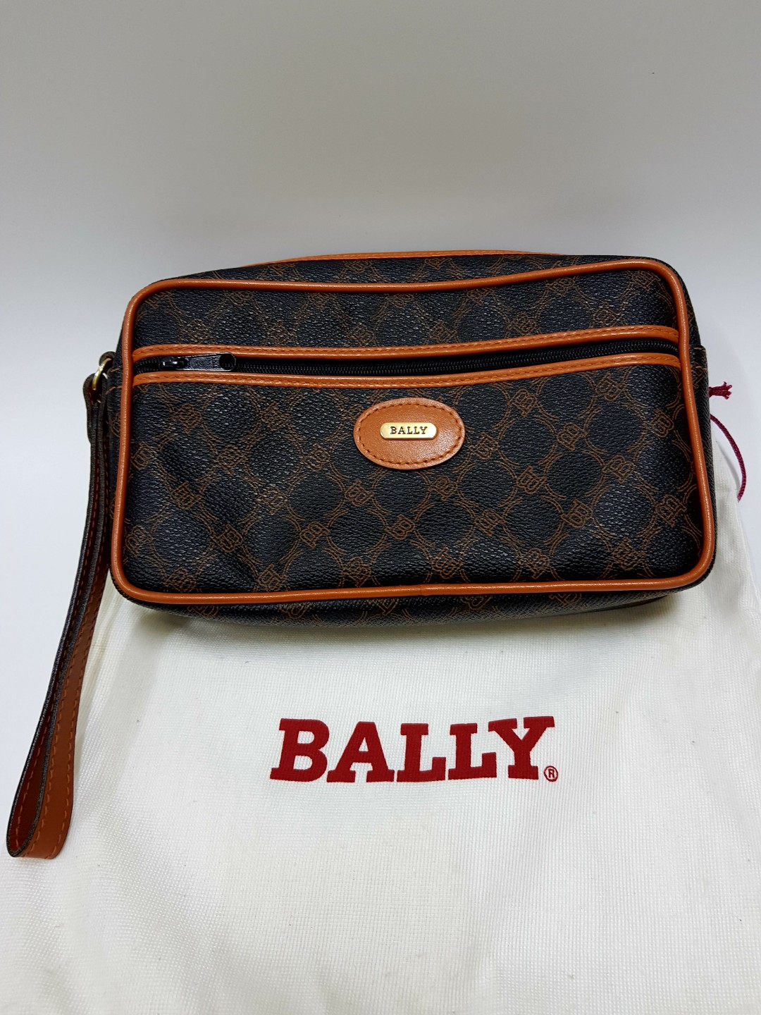 4a7187591384 Authentic Bally Clutch Bag