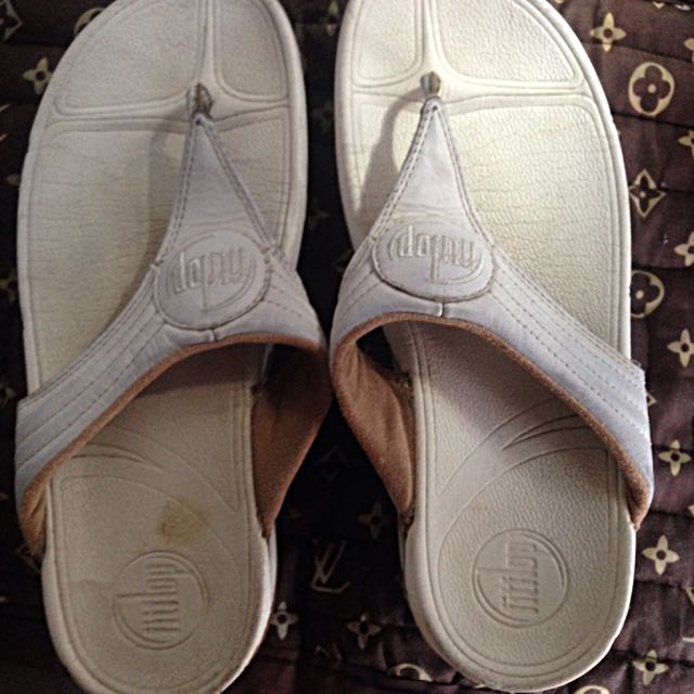 Authentic white Fitflop