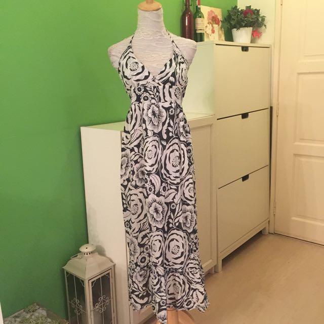 Black & White Flora Maxi Dress