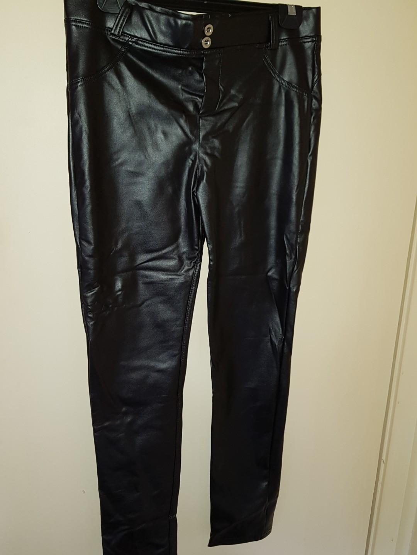 Black faux leather pants size 14/16 (read description)