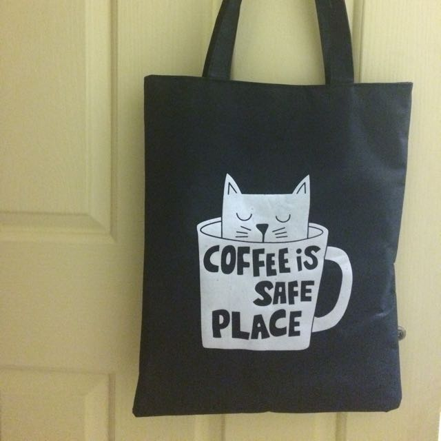 Black tote bag with zipper