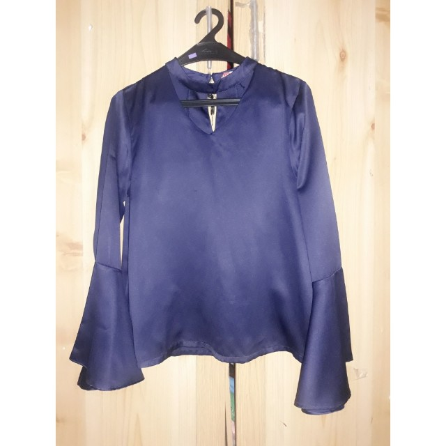 Blouse terumpet bell top navy salestock