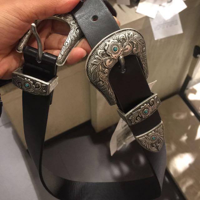 Buckle belts
