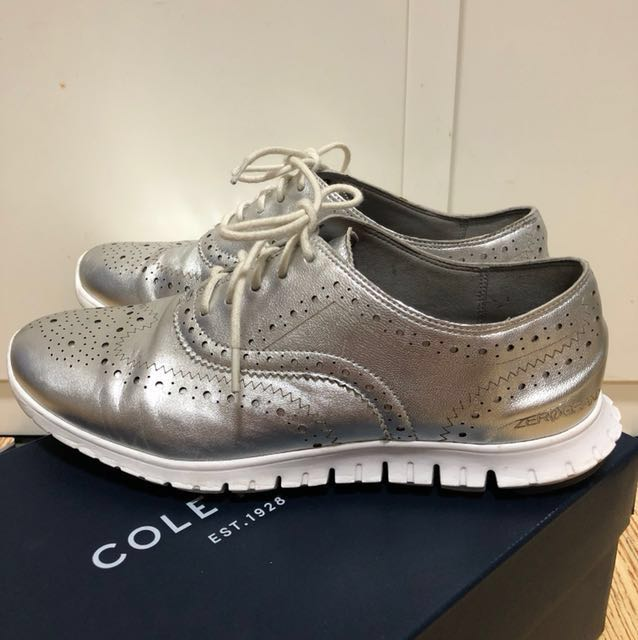 Cole haan 銀色雕花皮鞋