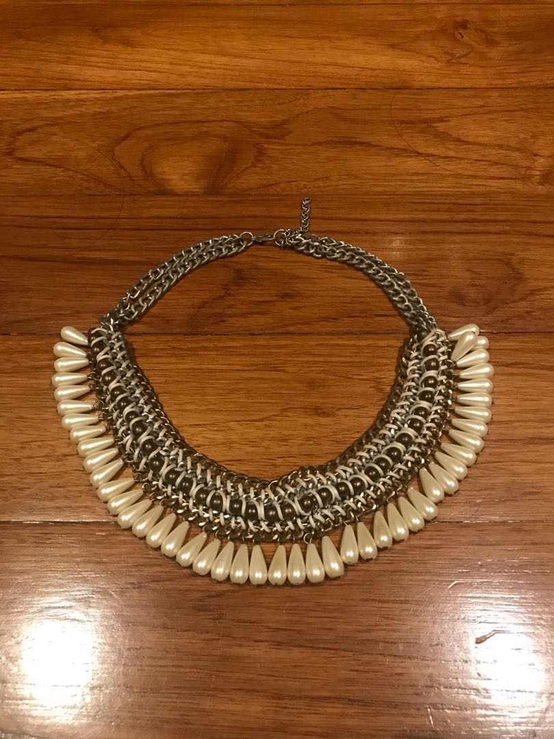 Ethnic Pearl Necklace