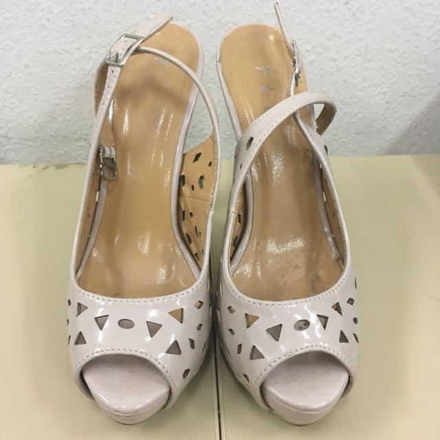 FLD Creme Heels