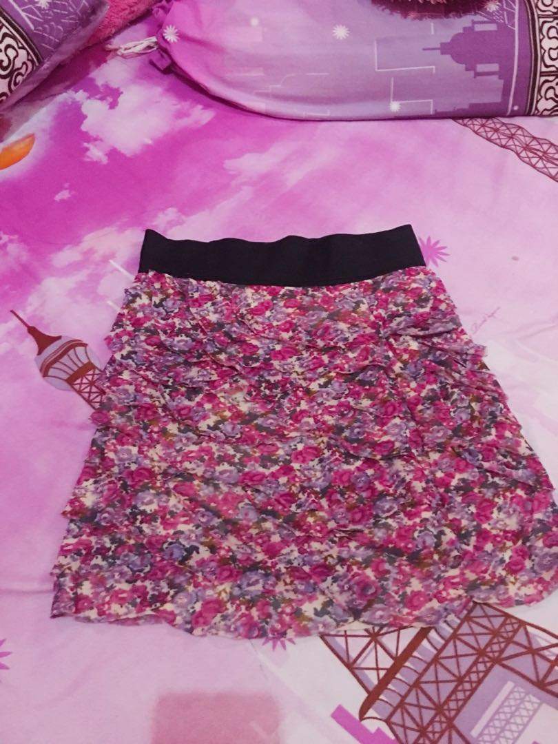Floral skirt pinky