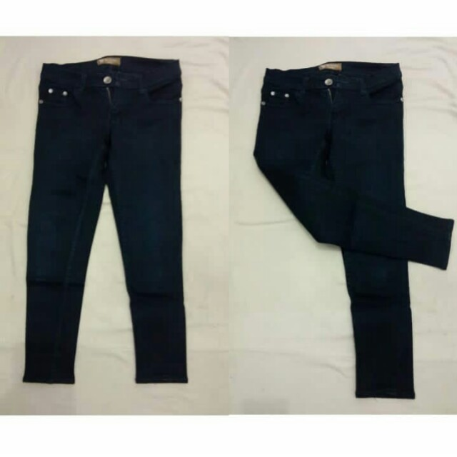 Jeans income hitam size 28 like new