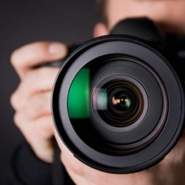 Looking for FREELANCE Photographer
