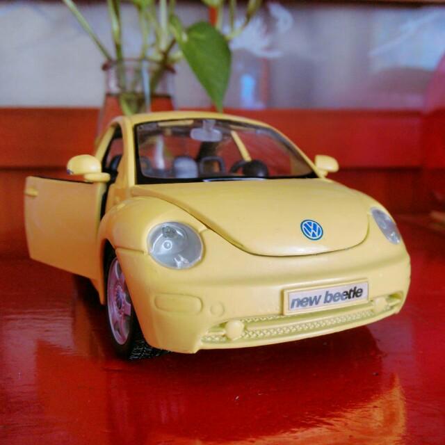 汽車金屬模型【Maisto】 福斯新甲殼蟲Volkswagen New Beetle 1:25