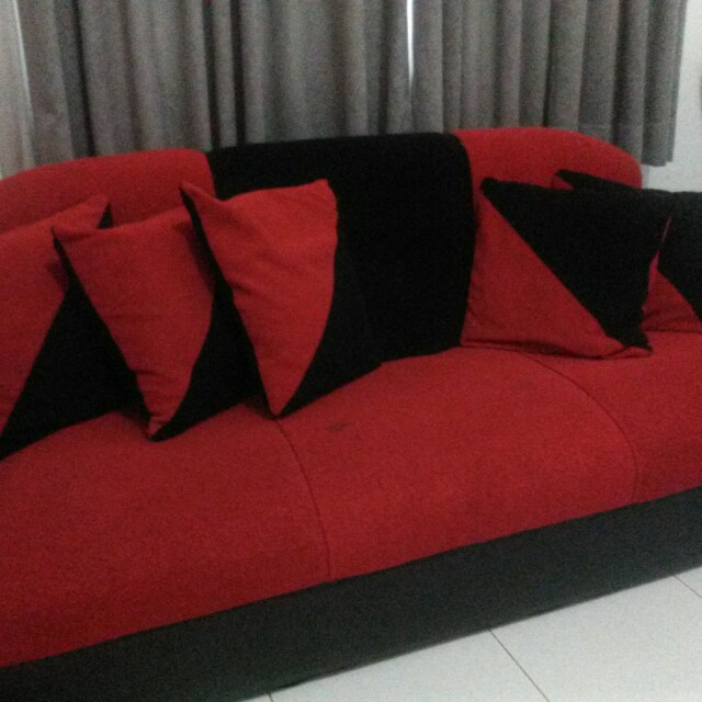 Sofa Preloved 3 Seat Kombinasi Bludru Hitam Merah Home Furniture