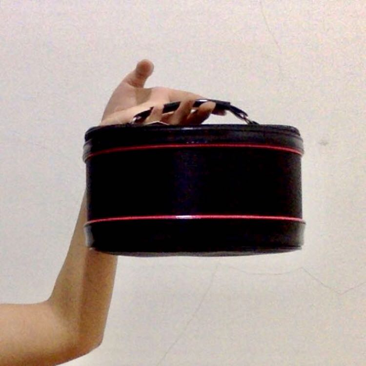 Tamia Makeup pouch