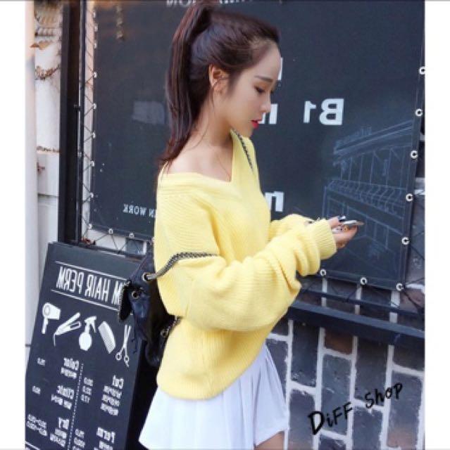 露肩V領針織毛衣 鵝黃