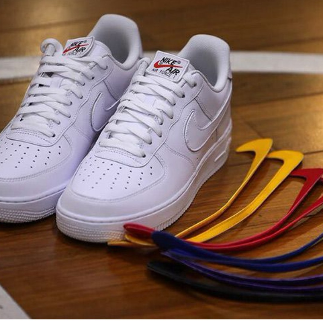 WANT TO BUY Nike Air Force 1 Swoosh Pack White US 8.5 UK 7.5 ... c7591c159