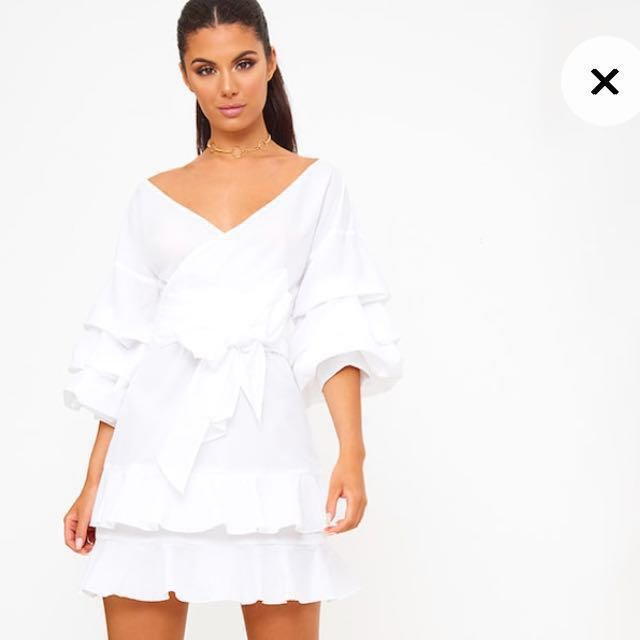 White frill sleeve detail dress