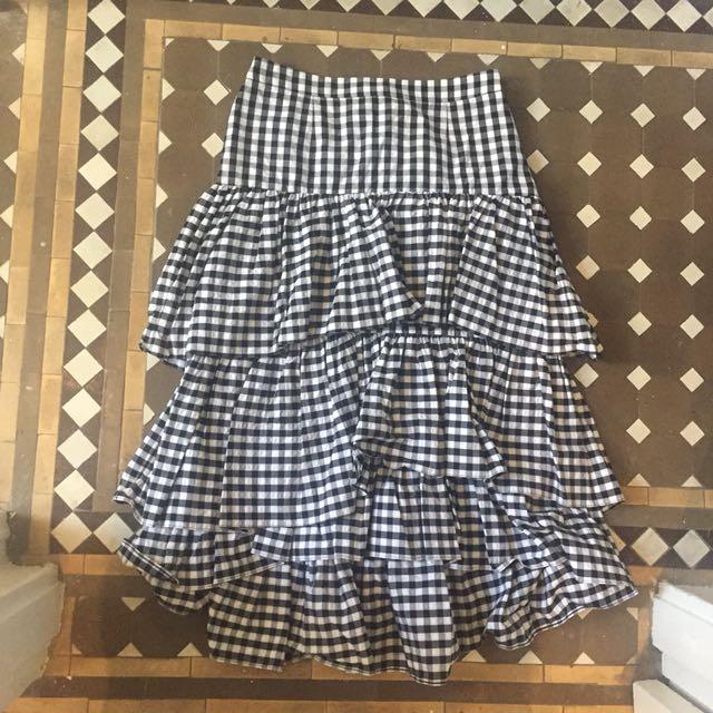 Zara Gingham black and white ruffle skirt Sz S or 8/10 BNWT