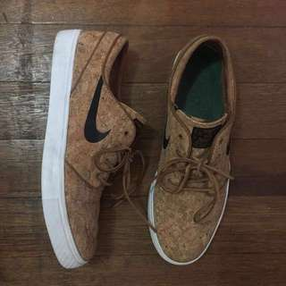 FREE SHIPPING! NIKE SB Stefan Janoski Cork Elite Ale Brown