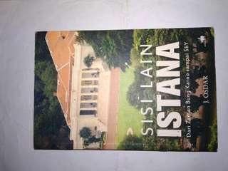 "Buku J. Osdar ""Sisi Lain Istana Dari Zaman Bung Karno Sampai SBY"""