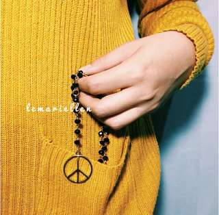 Peace Necklace Gold