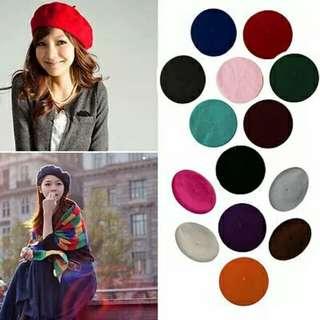 topi beret merah