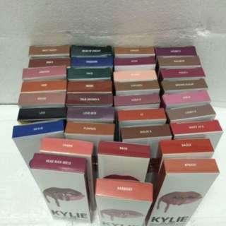 Kylie Lip Kit ( White Box)