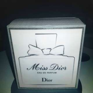 Christian Dior - Miss Dior Eau de Parfum 1.7 oz/50ml Eau de Parfum Spray