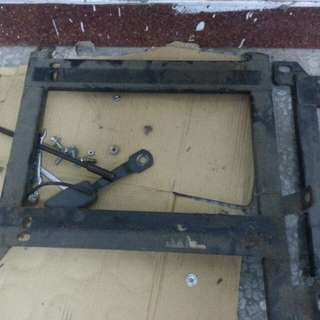 SUBARU-lMPREZA硬皮鲨塞車椅腳架一组