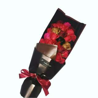 Readystock 33 red black gold rose soap flower bouquet gift