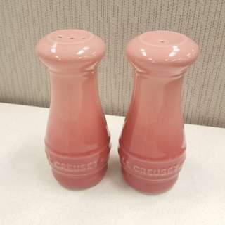 LE CREUSET salt & pepper shakers Pink