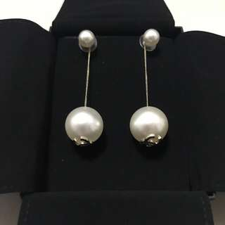 chanel big pearl earrings