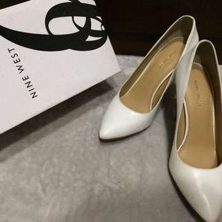 High Heels Putih Merk Nine West